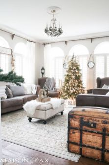 Elegant White Vintage Christmas Decoration Ideas 77