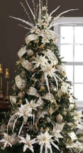 Elegant White Vintage Christmas Decoration Ideas 84