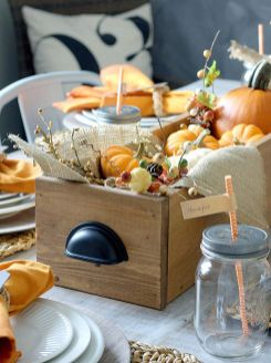 Inspiring Modern Rustic Christmas Centerpieces Ideas With Candles 46