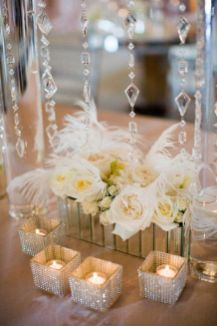 Inspiring Modern Rustic Christmas Centerpieces Ideas With Candles 58