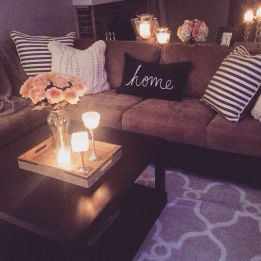 Modern And Elegant Living Room Design Ideas For Small Space 05