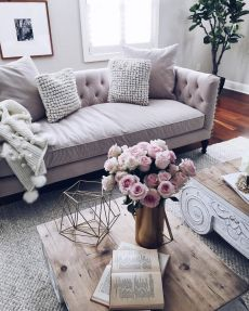 Modern And Elegant Living Room Design Ideas For Small Space 22