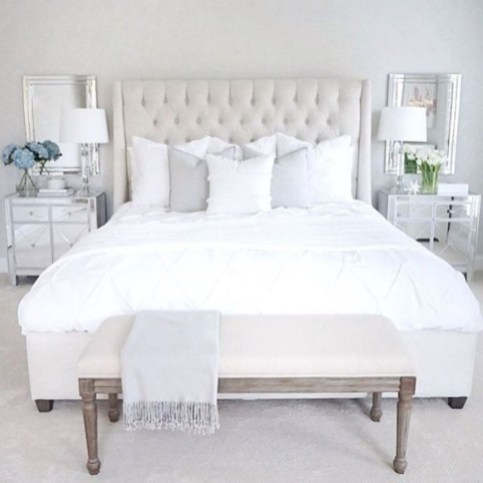 Modern And Elegant White Master Bedroom Decoration Ideas 35