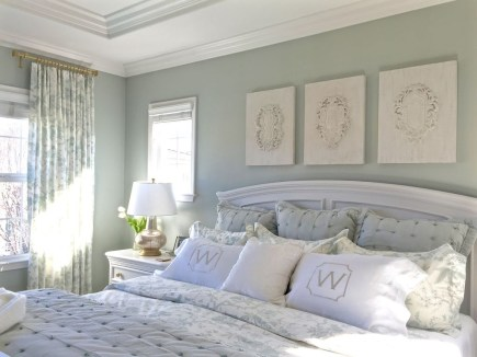 Modern And Elegant White Master Bedroom Decoration Ideas 39