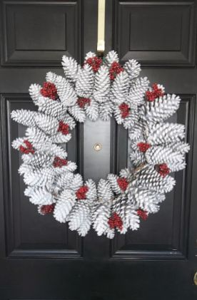 Stunning White Vintage Christmas Decoration Ideas 24