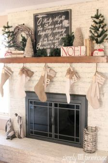 Stunning White Vintage Christmas Decoration Ideas 47