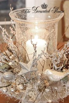 Stunning White Vintage Christmas Decoration Ideas 48