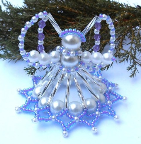 Amazing Silver And Blue Christmas Decoration Ideas For Christmas And New Year07