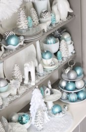 Amazing Silver And Blue Christmas Decoration Ideas For Christmas And New Year10