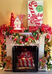 Cozy Fireplace Christmas Decoration Ideas To Makes Your Room Keep Warm26
