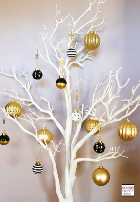 Elegant Black And Gold Christmas Decoration Ideas24