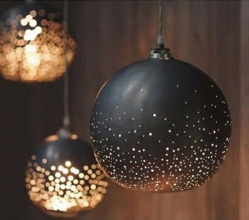 Elegant Black And Gold Christmas Decoration Ideas34