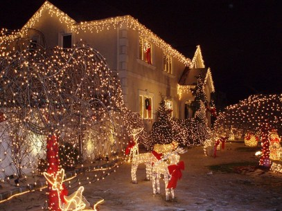Gergerous Indoor Decoration Ideas With Christmas Lights11