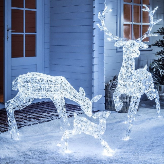 Gergerous Indoor Decoration Ideas With Christmas Lights43