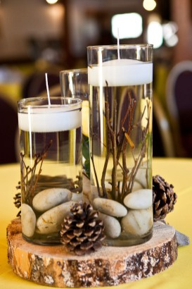 Romantic Christmas Centerpieces Ideas With Candles 13