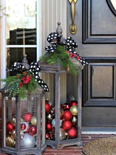 Totally Inspiring Red And Gold Christmas Decoration Ideas 37
