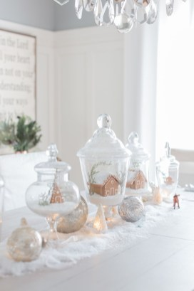 Totally White Vintage Christmas Decoration Ideas09