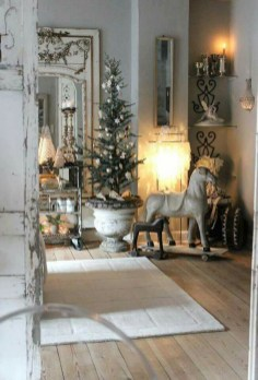 Totally White Vintage Christmas Decoration Ideas21