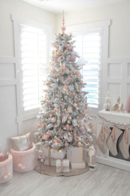 Totally White Vintage Christmas Decoration Ideas27