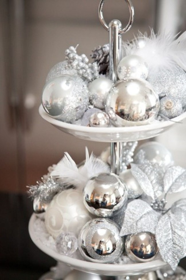 Totally White Vintage Christmas Decoration Ideas28
