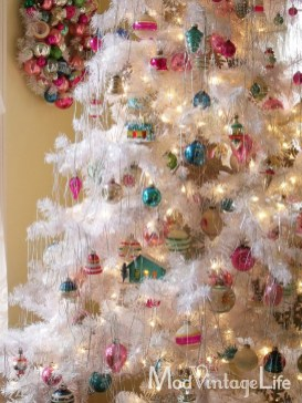 Totally White Vintage Christmas Decoration Ideas46