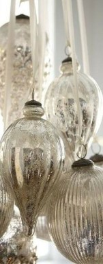 Totally White Vintage Christmas Decoration Ideas50