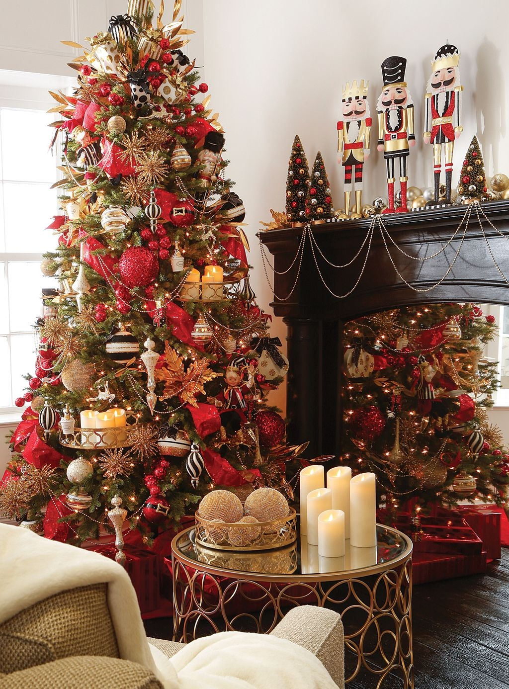 Traditional Christmas Decoration Ideas You Will Totally Love 09