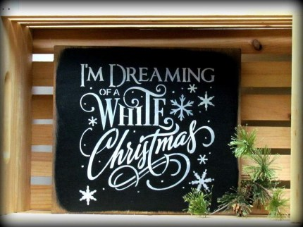Unique And Unusual Black Christmas Decoration Ideas 08