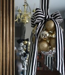 Unique And Unusual Black Christmas Decoration Ideas 26