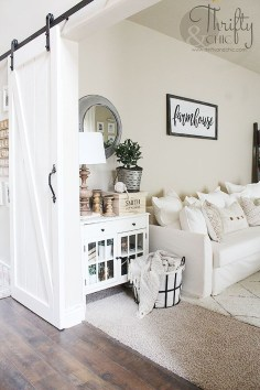 Cozy And Modern Living Room Decoration Ideas 24