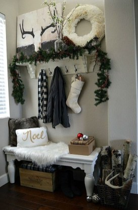 Inspiring Winter Entryway Decoration Ideas 09