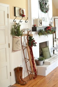 Inspiring Winter Entryway Decoration Ideas 14