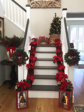 Inspiring Winter Entryway Decoration Ideas 15