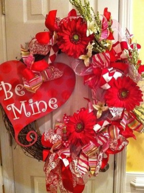 Cute Valentine Door Decoration Ideas You Should Try 11