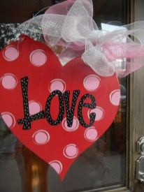 Cute Valentine Door Decoration Ideas You Should Try 14