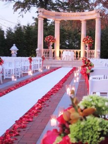 Cute Valentines Day Wedding Decoration Ideas 31