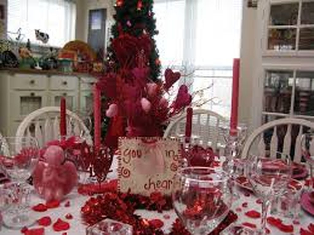 Inexpensive But Stunning Valentine Decoration Ideas 34