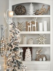 Stunning Gold Winter Decoration Ideas 39