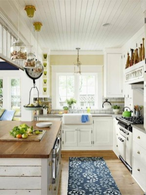 Stylish Rustic Kitchen Apartment Decoration Ideas 45