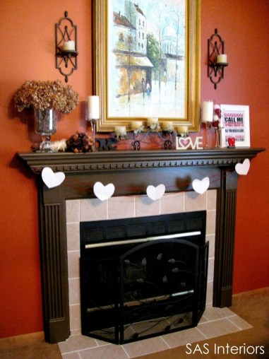 Totally Cool Valentine Mantel Decoration Ideas 28