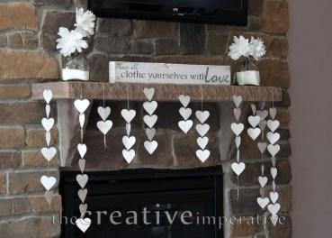 Totally Cool Valentine Mantel Decoration Ideas 30