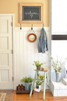Adorable Farmhouse Entryway Decorating Ideas 20
