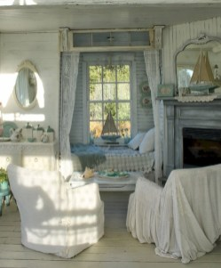Cute Shabby Chic Farmhouse Living Room Decor Ideas 18