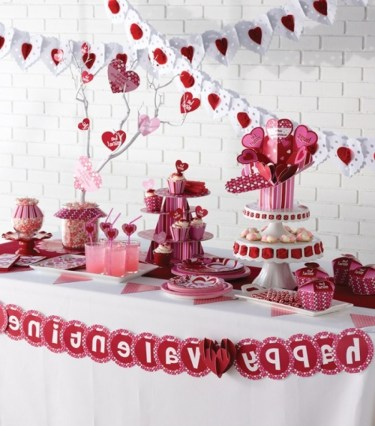 Inspiring Table Decoration Ideas For Valentines Party 08