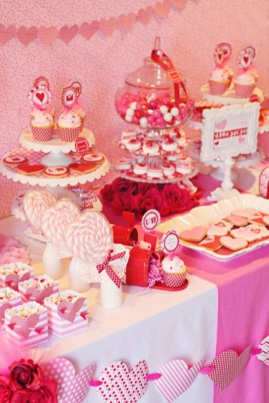 Inspiring Table Decoration Ideas For Valentines Party 12