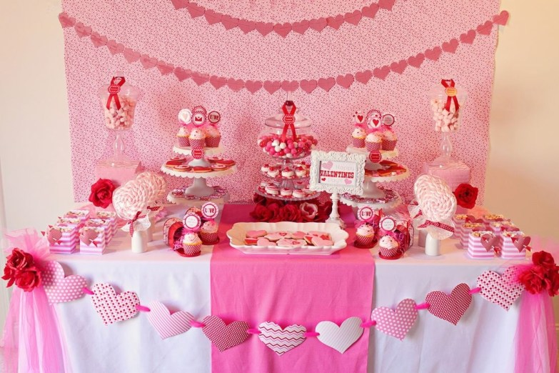 Inspiring Table Decoration Ideas For Valentines Party 26