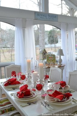Inspiring Table Decoration Ideas For Valentines Party 33