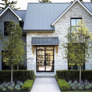 Modern Farmhouse Exterior Designs Ideas 14
