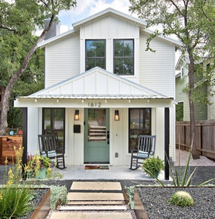 Modern Farmhouse Exterior Designs Ideas 31