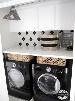 Totally Inspiring Small Functional Laundry Room Ideas 02